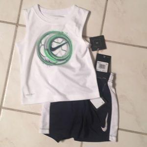 NWT-Infant Boys Nike Two Piece Short Set